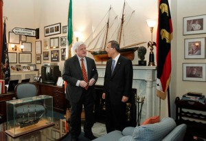 Sec.-Gen. Ban Ki-moon and Sen. Edward Kennedy in Washington, D.C., in 2007. (UN/Mark Garten)